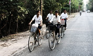 Fahrrad Maedchen Hintergrundbild